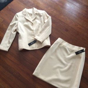Le Suit Town & Country Suit NWT